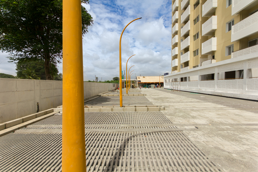 drive-way-ground-level-parking-area